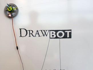 树莓派制造的绘图机器人
